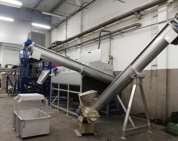Budowa kompletnych linii do recyklingu LDPE/HDPE